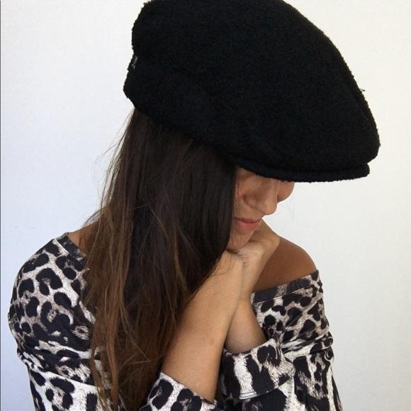 ZARA Black embroidered newsboy cap hat M. M 5ab6a94ccaab443a97fd0e76 1564802f4a6
